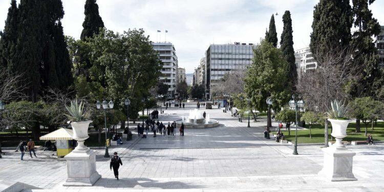 Έρχεται παράταση στην Αττική – Σκέψεις για απαγόρευση κυκλοφορίας από τις 6 τις καθημερινές