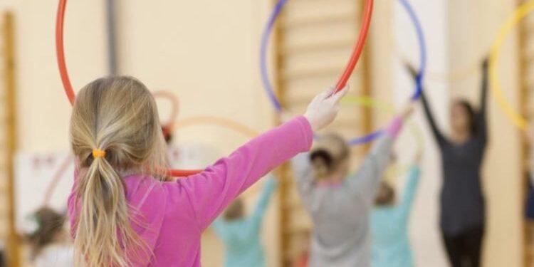 Σοβαρότατοι οι κίνδυνοι της απομάκρυνσης των παιδιών από τον αθλητισμό – Ειδικοί προειδοποιούν πόσο επικίνδυνο είναι
