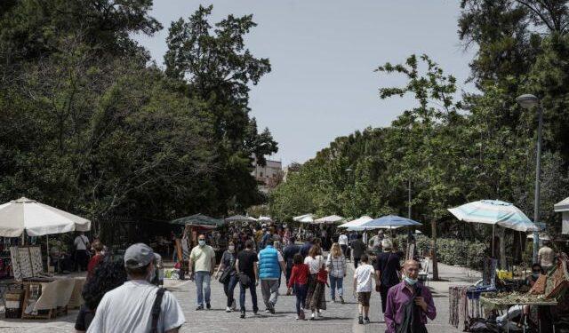 Προβληματισμός για την εξάπλωση της «αθηναϊκής μετάλλαξης» – Πόσο ανησυχεί τους ειδικούς